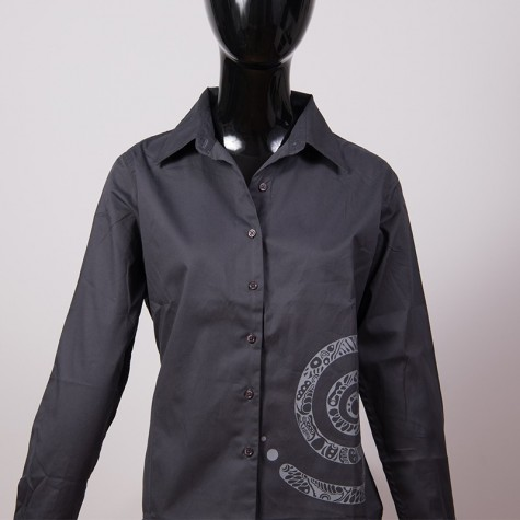 Women's blouse with spiral