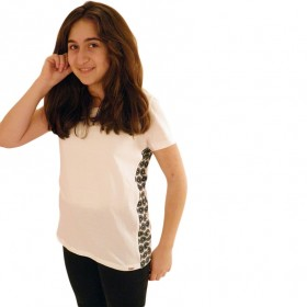 Fashionable ladies tshirt in white