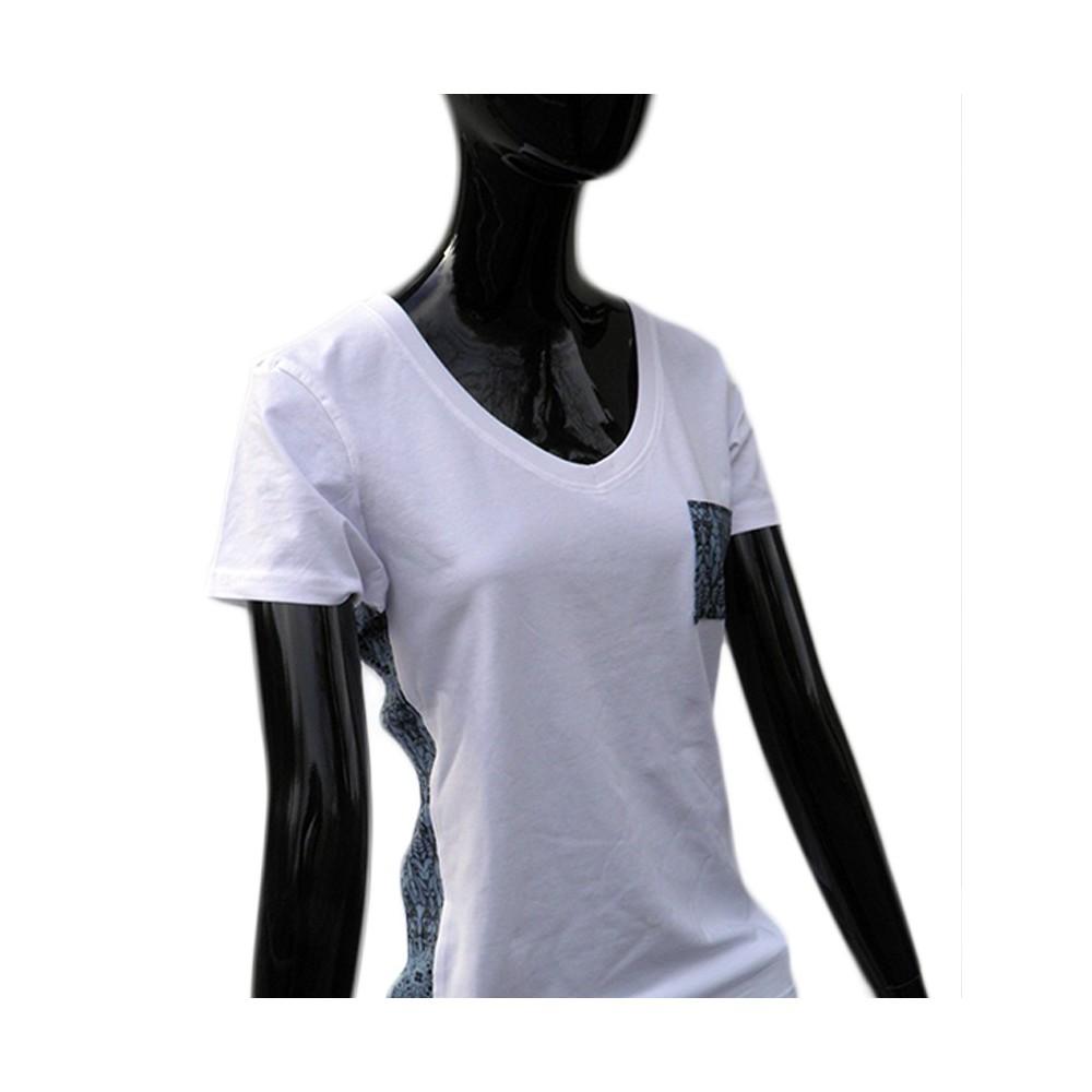 t-shirts & sweatshirts Fashionable white women's t-shirt with V-neck