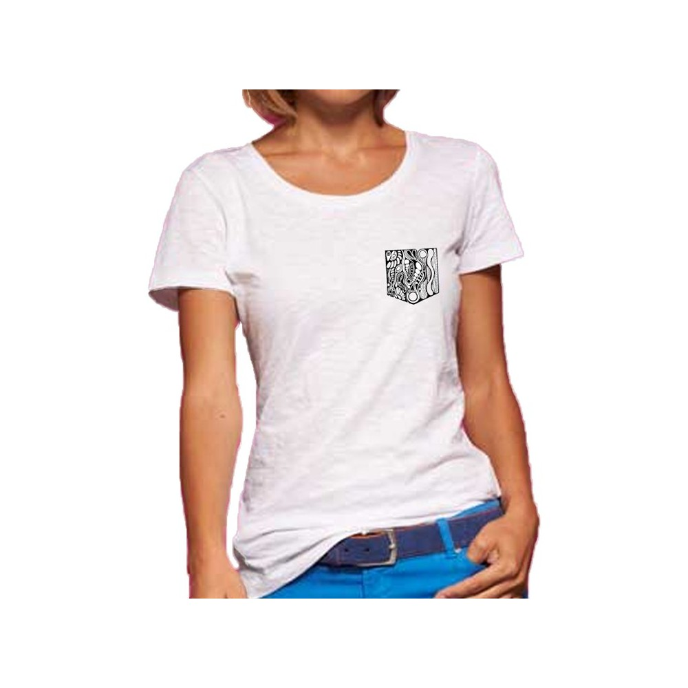 women NEW!! Light t-shirt with embroidered front pocket