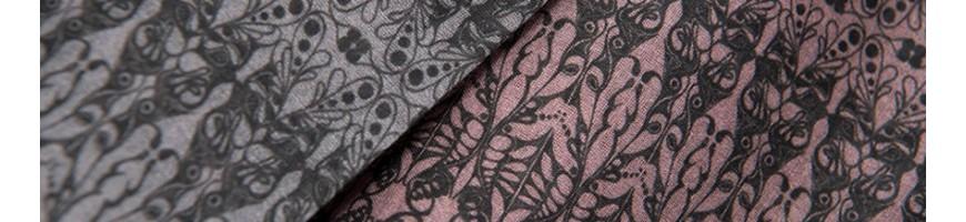Leichte Schals aus leichten Stoffen wie Seide, Modal oder Chiffon.