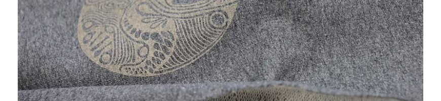 Hand-printed unique fabrics, fairly produced and in organic quality